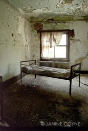 The-Green-Hospital-Room-Janine-Coyne